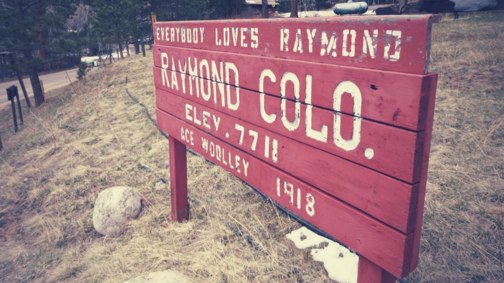 Raymond is a little gem tucked away in the hills west of Lyons. You wouldn't find it without looking